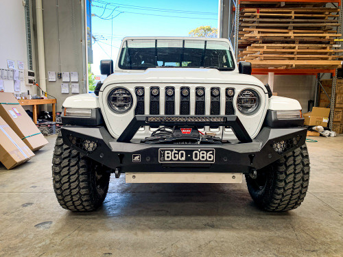 JL Predator bar fitting with optional winch, top hoop light and skid plate