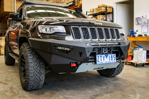 Wk2 Predator bar fitted with optional light and fog lights 2014-2016