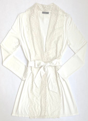 HOME APPAREL LACE FRONT ROBE IVORY W/ IVORY LACE