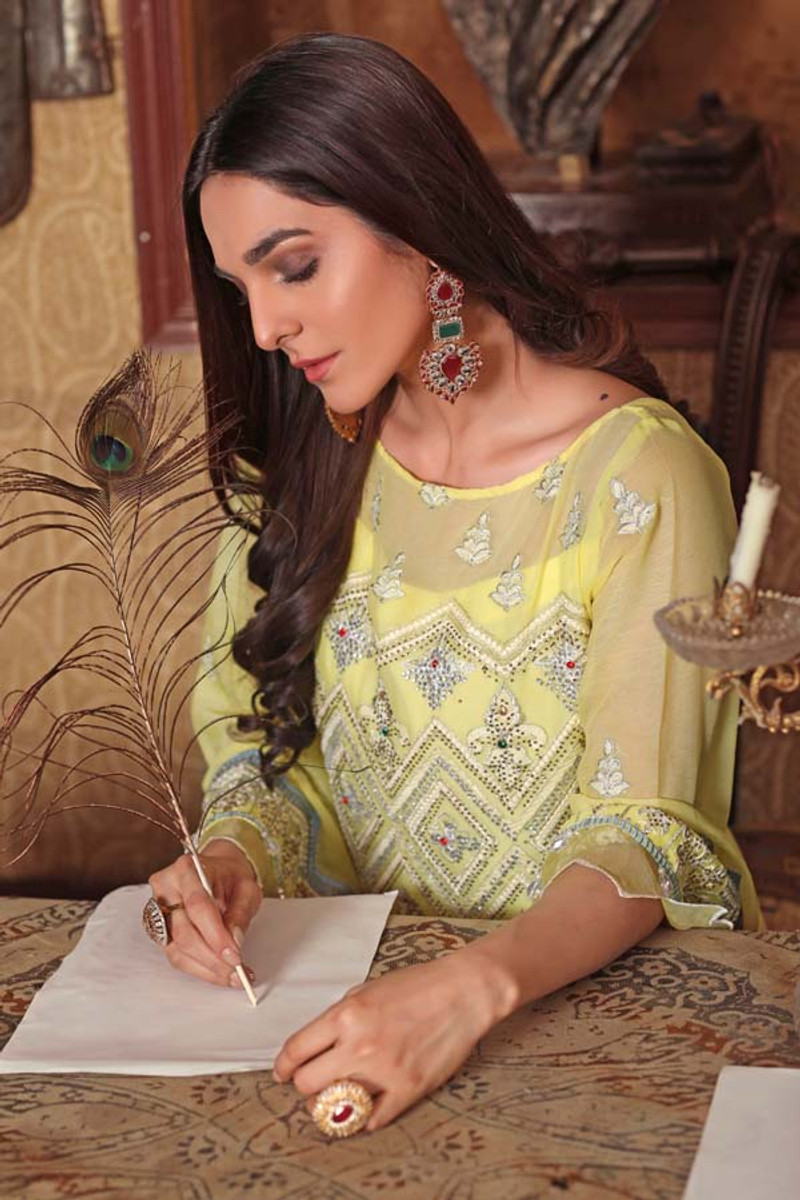 Angan by Zebaish – Luxury Embroidered Chiffon Formal Collection – Barberton Daisy