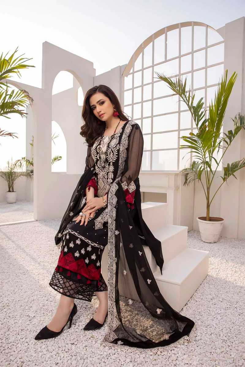 Azure Luxe Eid Collection 2021 – Black Daisy