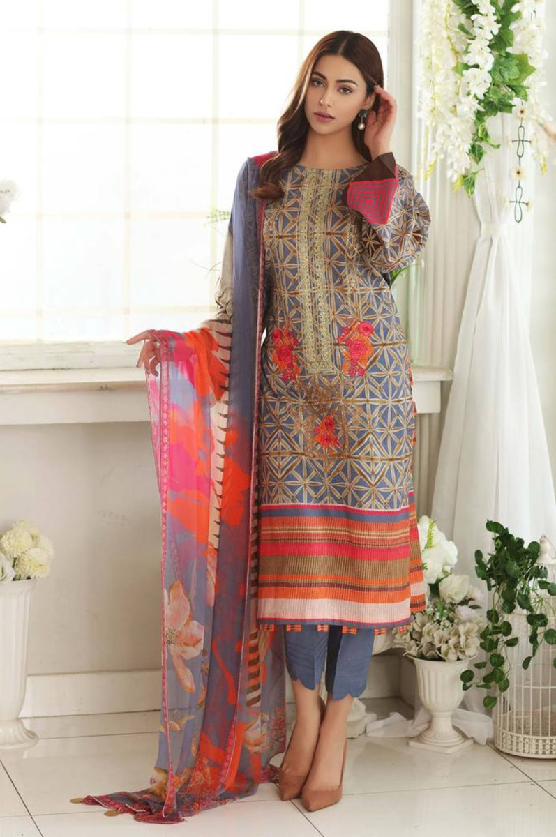 Charizma Embroidered Lawn 2021 CEL-09
