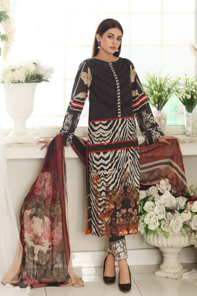 Charizma Embroidered Lawn 2021 CEL-07