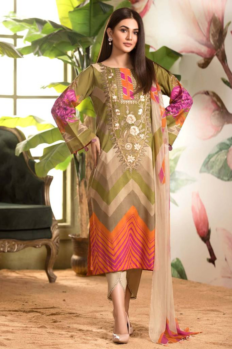 Charizma Embroidered Lawn 2021 CEL-06