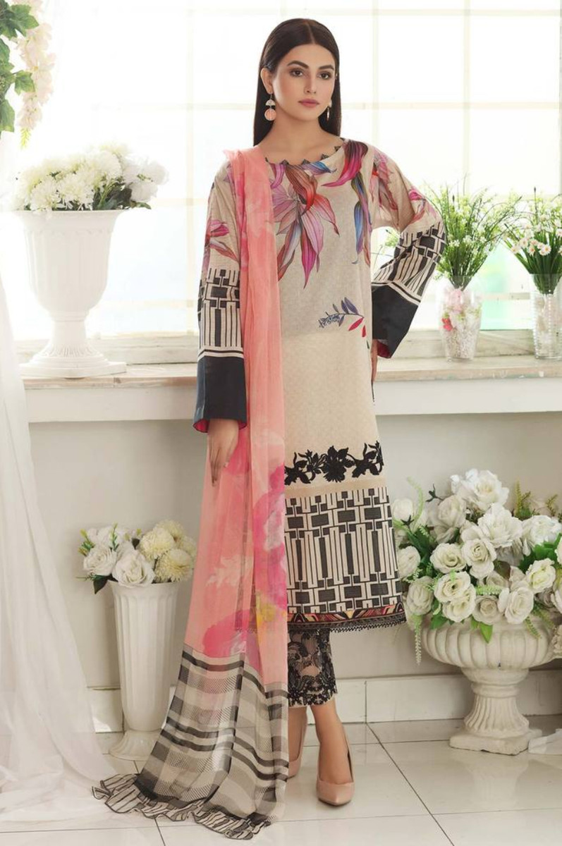 Charizma Embroidered Lawn 2021 CEL-05