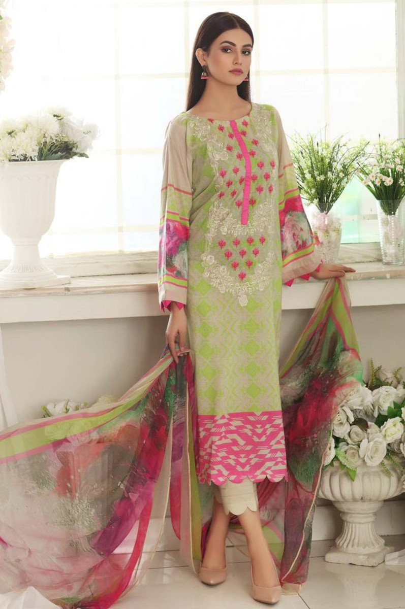 Charizma Embroidered Lawn 2021 CEL-04