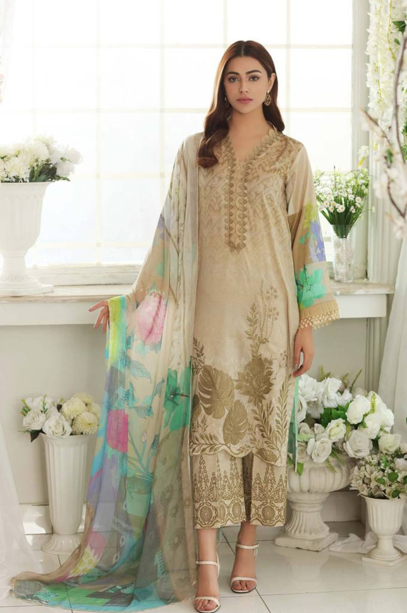 Charizma Embroidered Lawn 2021 CEL-03