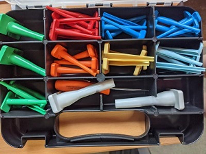 Deutsch extraction tool set