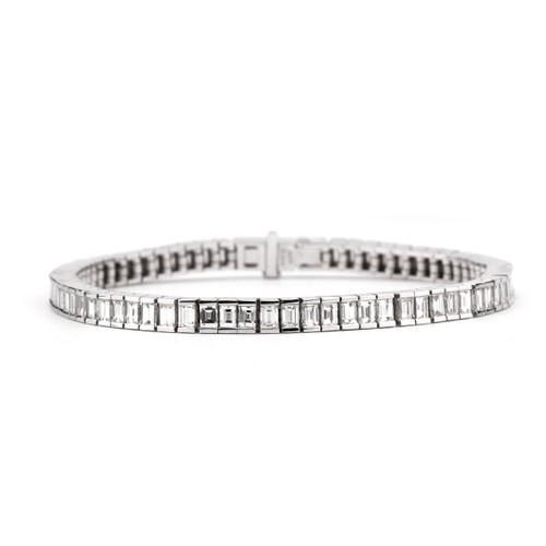 18kt White Gold Bar Set Emerald Cut Tennis Bracelet