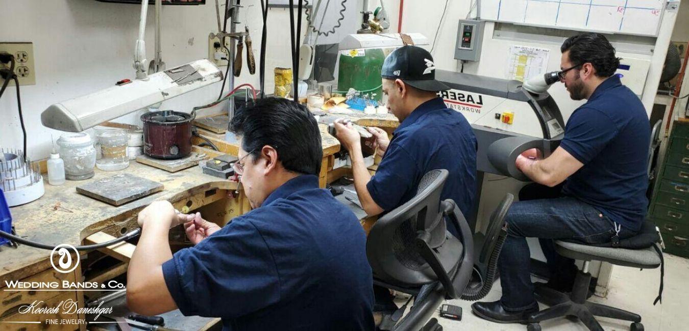 chicago-jewelers-wedding-bands-company-engraving-jewelry-repair-diamond-repair-eyeglasses-repair-fine-jewelry-appraisal-.jpg