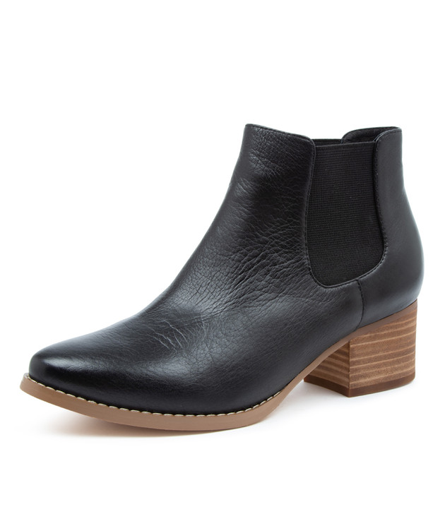 LEIS BLACK ANKLE BOOTS