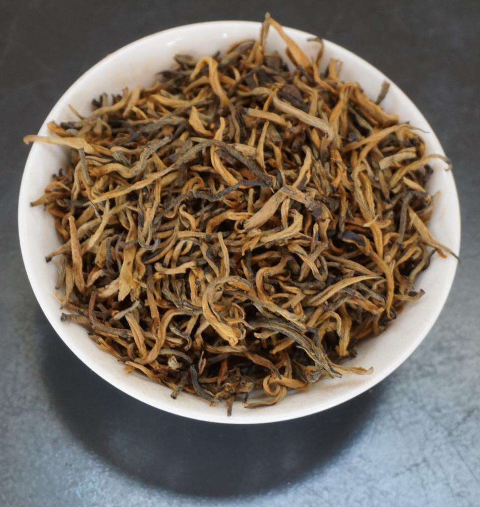 black tea Yunnan Gold Tips