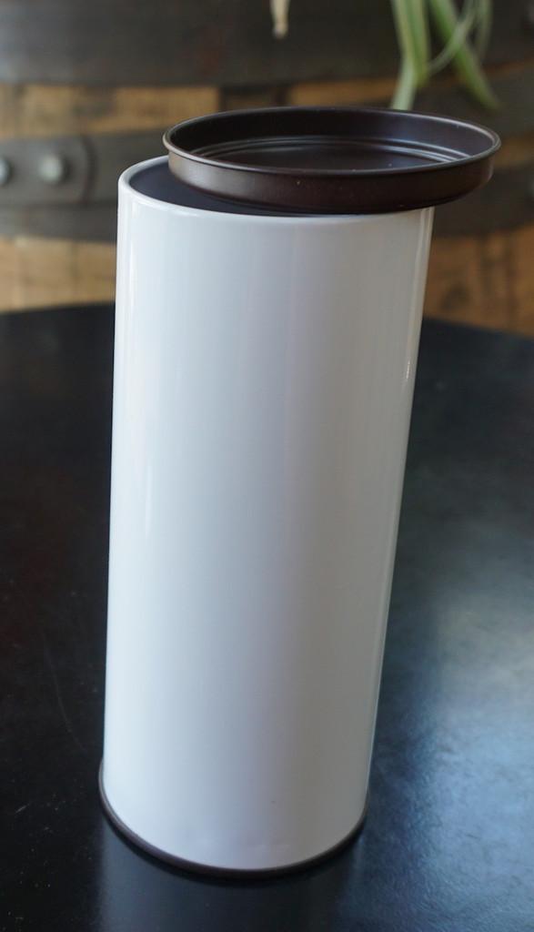 tea tin lid holds 1/4lb. loose leaf tea