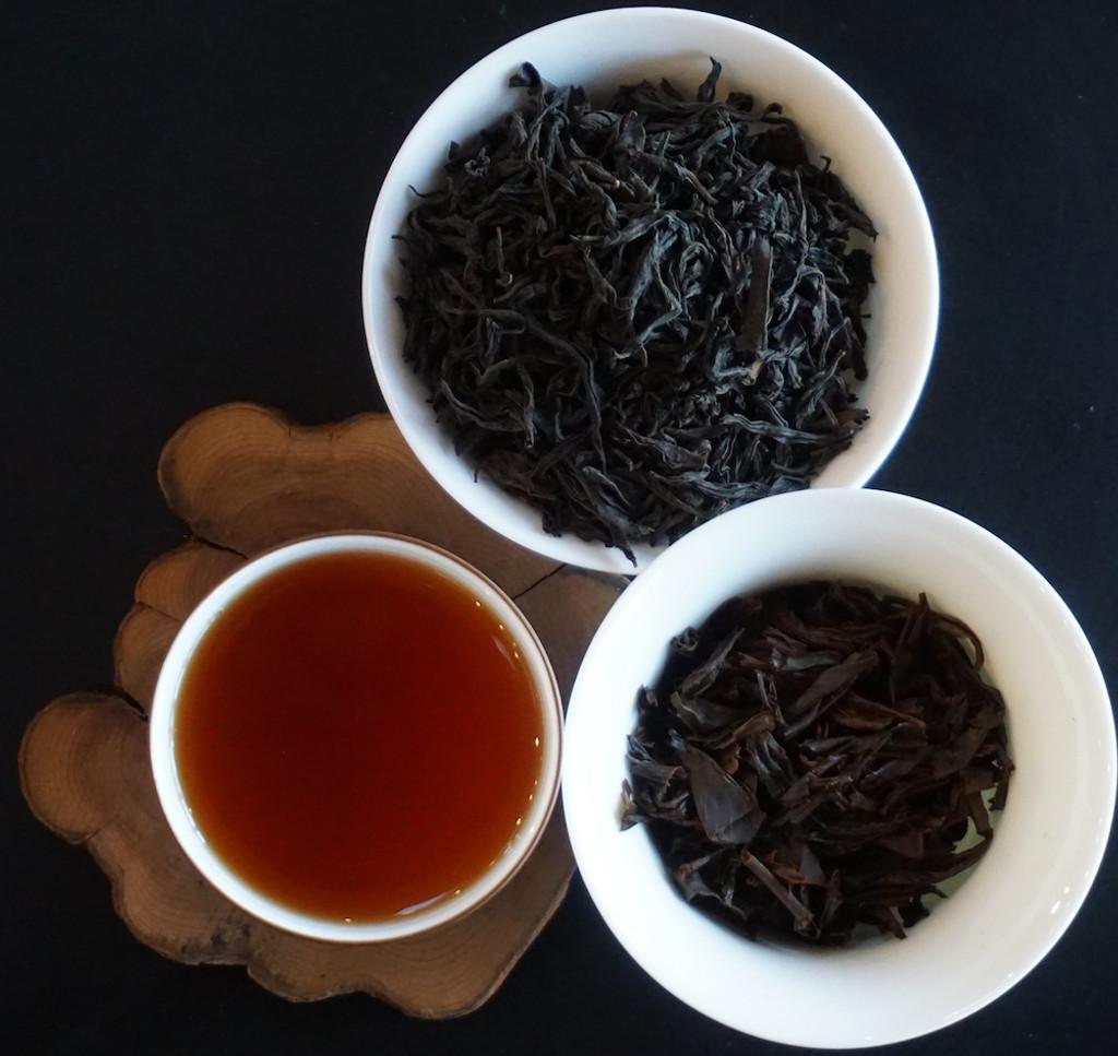 Wu Yi Black Tea leaf and soup