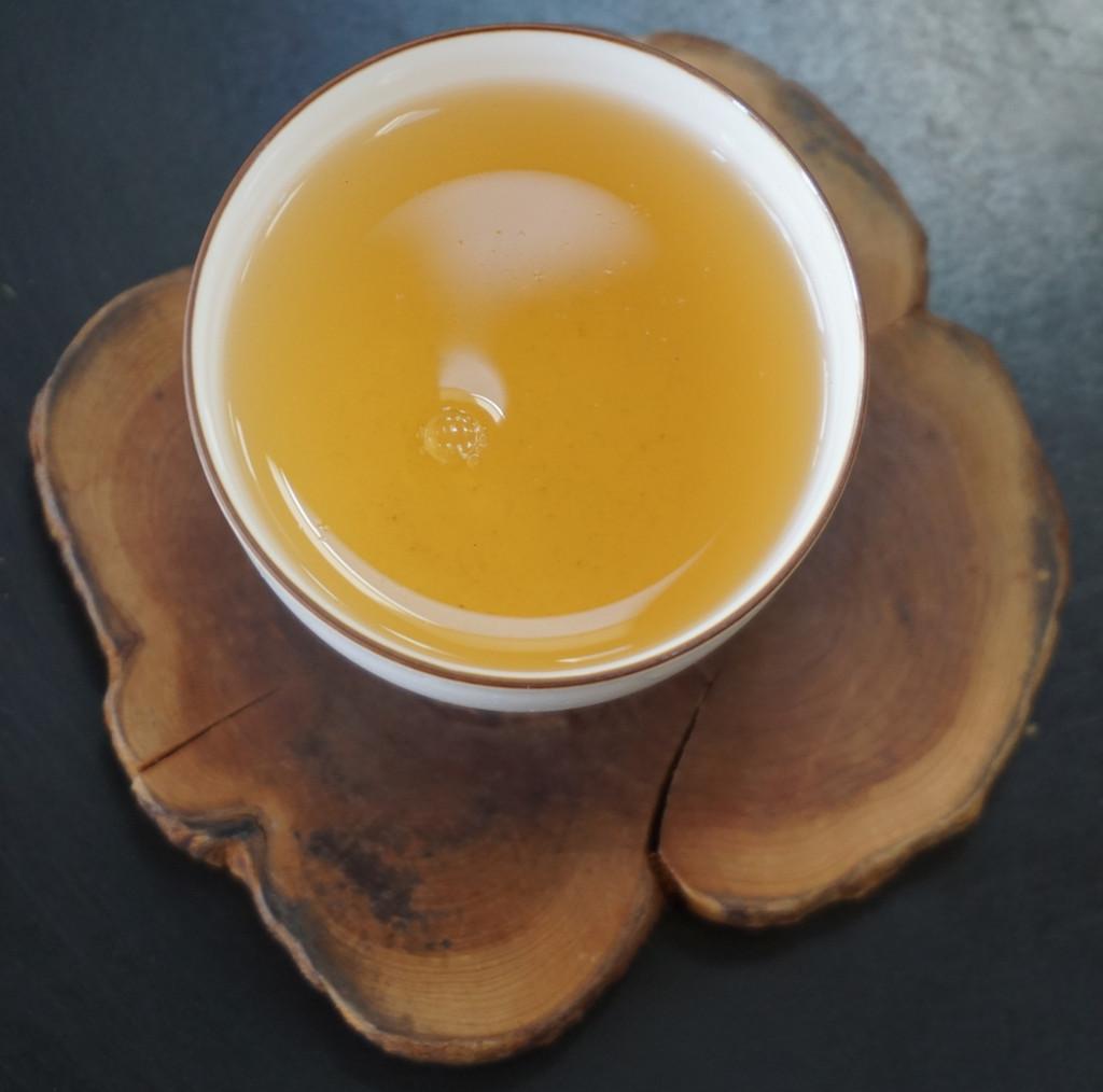 Tribute oolong tea soup