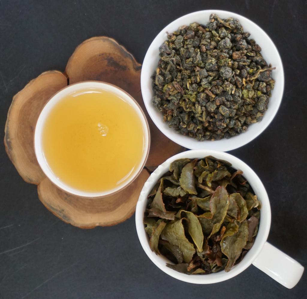 Tribute oolong tea leaf, soup, brewed tea