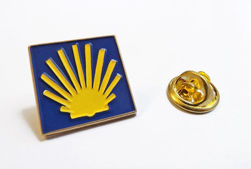 Camino de Santiago Road Marker Scallop Shell St James Pilgrim lapel Pin