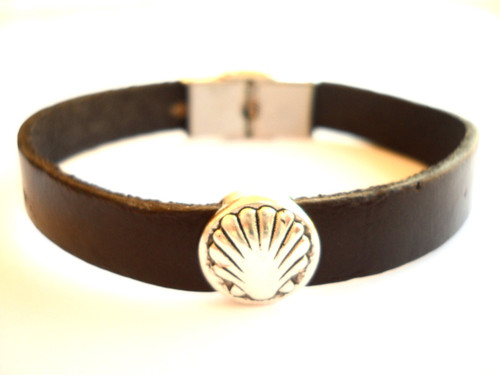 Camino de Santiago St James Way Pilgrim Scallop Shell Leather Bracelet