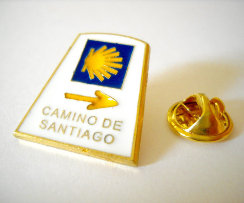 Camino de Santiago Road Marker Pilgrim Souvenir Lapel Pin