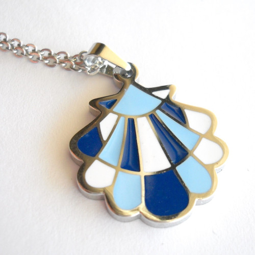 Camino de Santiago Scallop Shell pendant necklace
