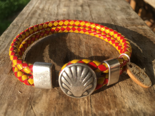 Camino de Santiago Scallop Shell Pilgrim Leather Bracelet / Spain