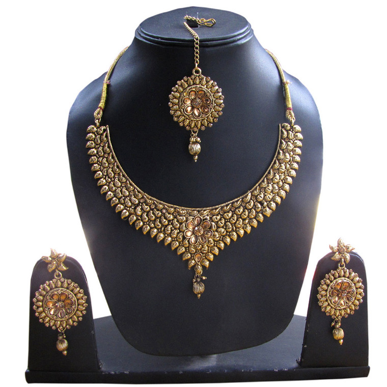 Gold Party wear Necklace Set and earrings & Maang Tikka