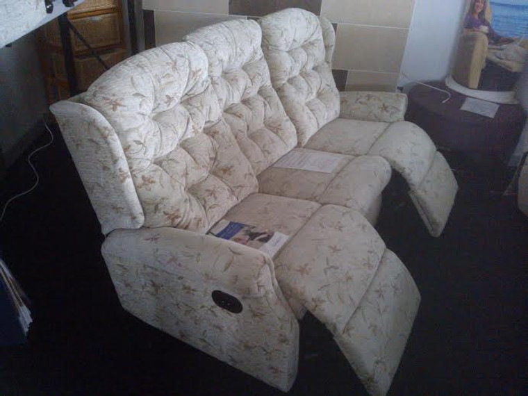CELEBRITY WOBURN 3 SEATER POWER RECLINER SOFA