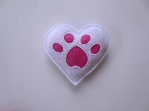 Organic Catnip White Heart Toy