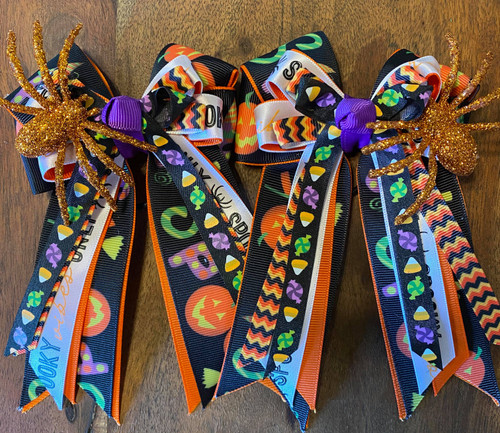 Spooky Vibes Show Bows