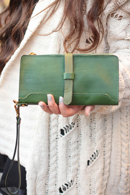 Old Trend Eco Genuine Leather Casey Leather Clutch in Olive