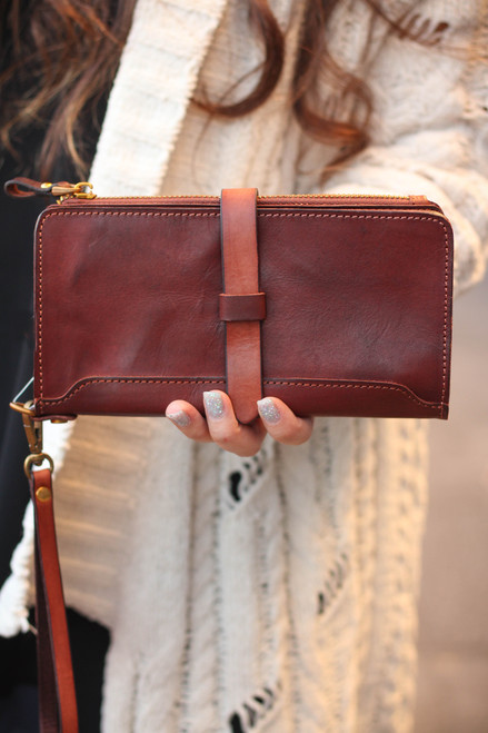 Old Trend Eco Genuine Leather Casey Leather Clutch in Brown