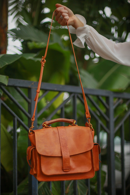 Old Trend Eco Genuine Leather Valley Breeze Crossbody Bag in Chestnut
