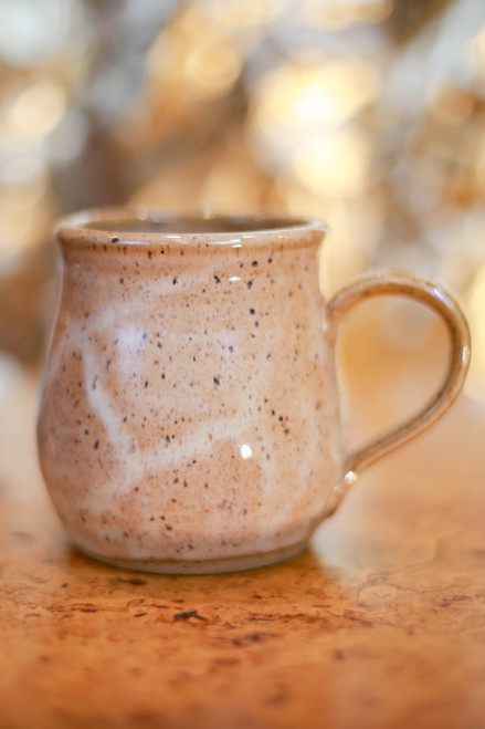 Farmhouse Style Mug in Honey Caramel