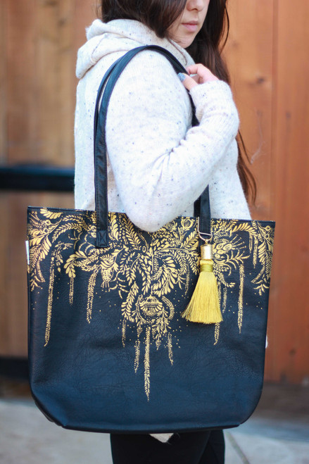 Papaya Tree of Life Bucket Tote