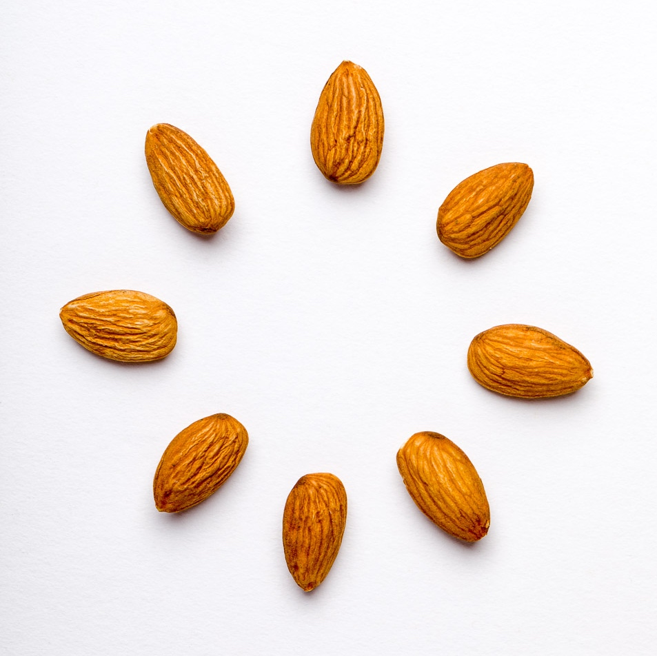 201806-10-velobar-almonds-cropped-square.jpg