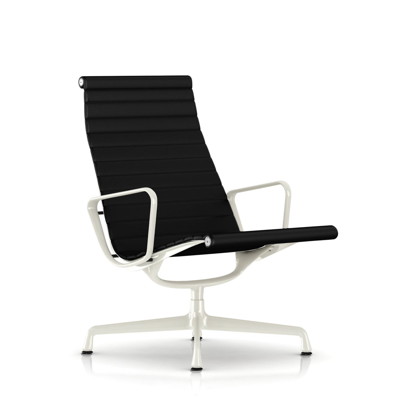 Eames Aluminum Lounge Chair in Black Leather by Herman Miller