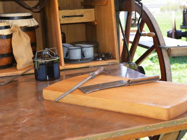 Peter Schuttler Dakota Cowboy Chuck Wagon