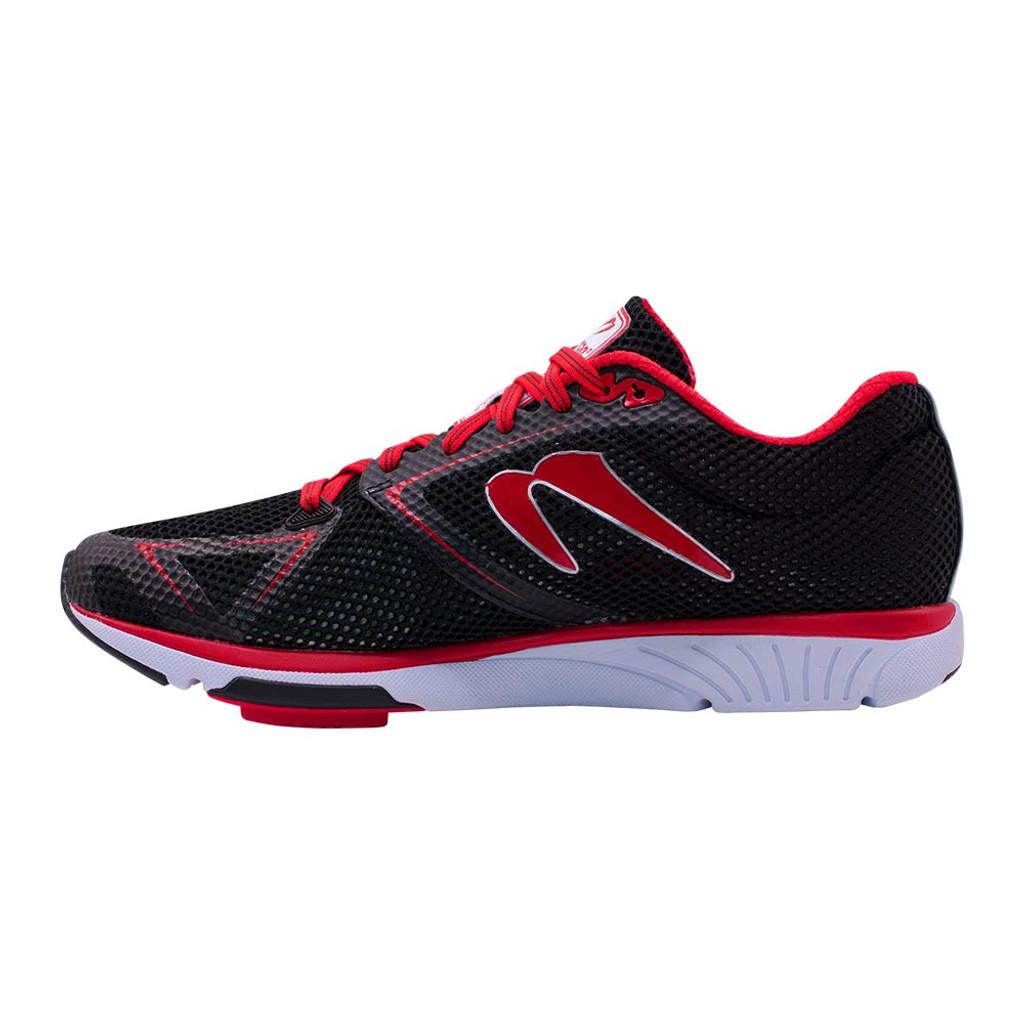 Newton Distance 8 Men Black/Red
