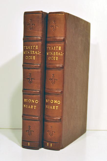 Mineralogy Book by Alexandre Brongniart; Traite Elementaire de Mineralogie. Tome 1-2. Paris 1807.