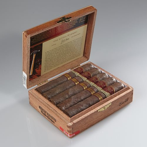 PADRON FAMILY RESERVE 46 NATURAL (BOX OF 10)