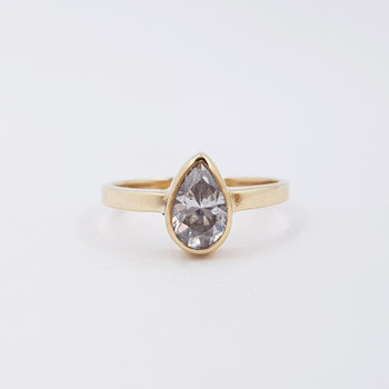 9ct Yellow Gold CZ Pear Shape Ring Size M #55322