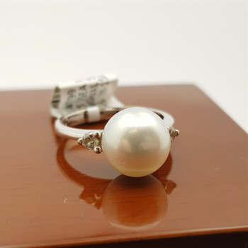 18CT SOUTH SEA PEARL & DIAMOND WHITE GOLD RING VAL $2420 SIZE J1/2 #47799