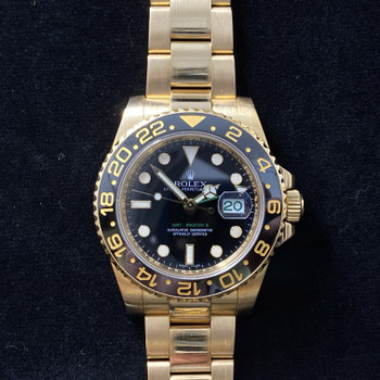18CT GOLD ROLEX GMT MASTER II WATCH C/2008-09 116718 WITH SERVICE CARD & BOX
