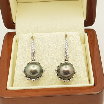 18CT 9.1GR WHITE GOLD TAHITIAN PEARLS & DIAMOND EARRINGS VAL $6735 #37793