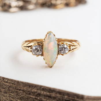 18CT 3.1GR ANTIQUE YELLOW GOLD OPAL & OLD CUT DIAMOND RING SIZE M 1/2 #51838