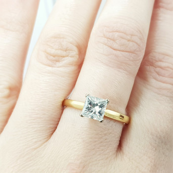 18CT 3.2GR 2-TONE GOLD PRINCESS CUT DIAMOND RING + GIA CERT/VAL $26900 SIZE R1/2