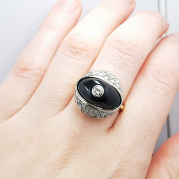 18CT 10.6GR TWO TONE GOLD ONYX & DIAMOND RING VAL $6500 SIZE L #51064