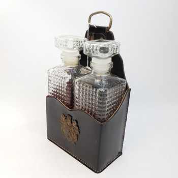 DECANTER SET IN LEATHER CARRY CASE #39744