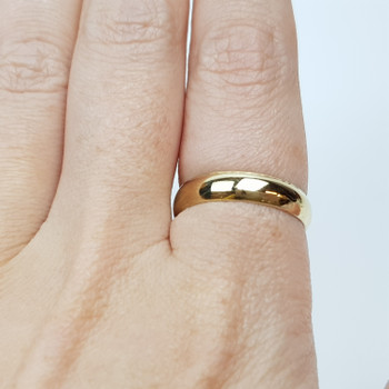 18CT 3.9GR YELLOW GOLD RING BAND SIZE S #10878 **