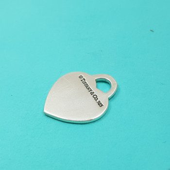 RETURN TO TIFFANY HEART TAG PENDANT IN SILVER #40106